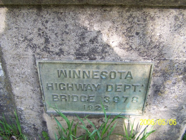 "The dedication plaque of bridge 3978. Note how the ""M"" in Minnesota is upside down!!"