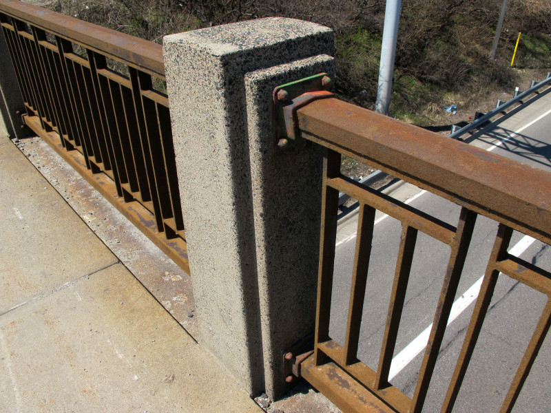 One of the north railing piers of the Old Minnetonka Blvd bridge over Hwy 100.