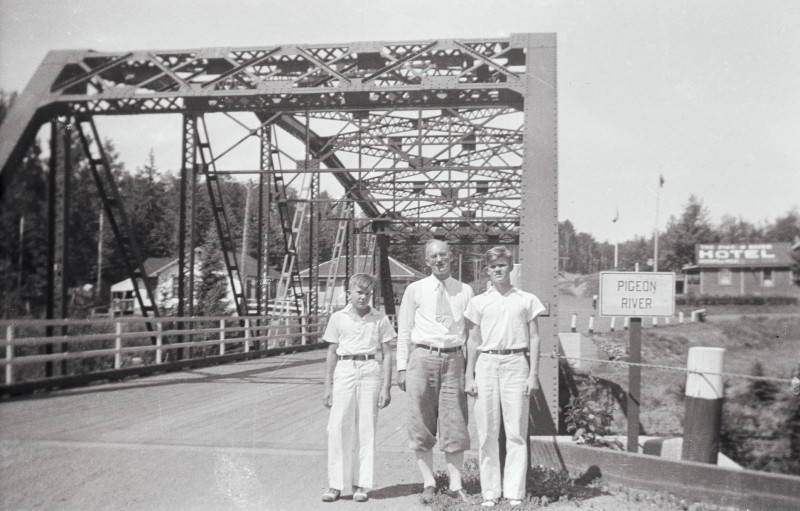 sebek-pigeonriver-Bridge_ed